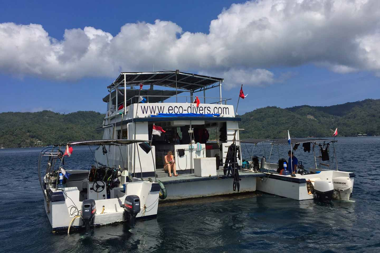 Day Liveaboard with tenders