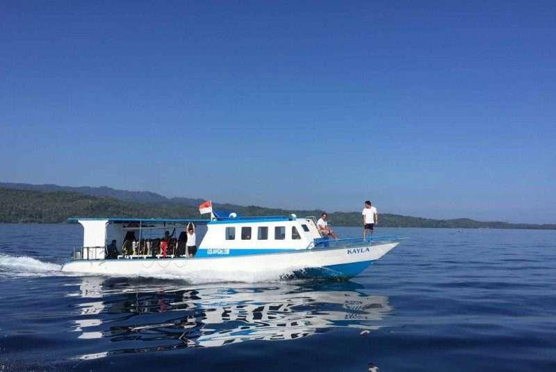 At cruising speed to Manado Tua